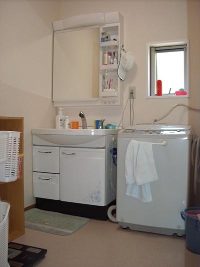 松江城付近M様邸 洗面台取替えリフォーム工事。