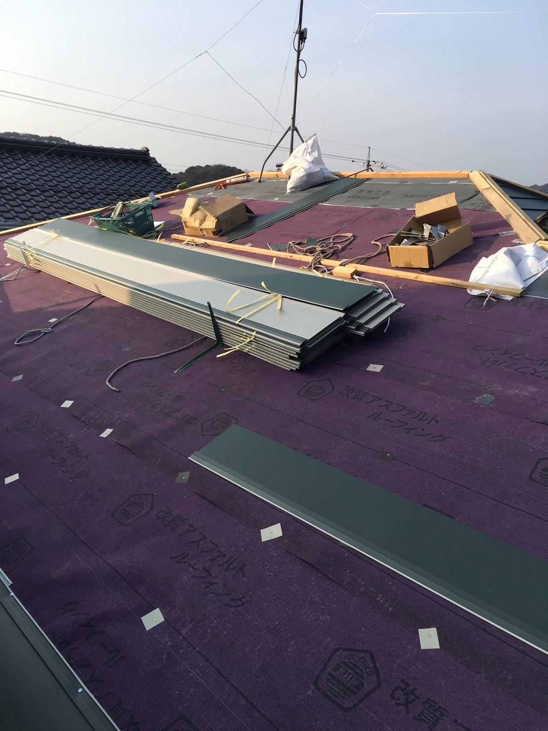 屋根工事、ガルバニウム鋼板カバー工法